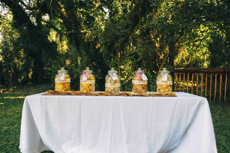 Great idea for a wedding favour - home made cookies with printed tags.